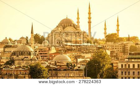 Istanbul Cityscape In Sunlight, Turkey. Panorama Of Old Istanbul With Suleymaniye Mosque. Sunny View