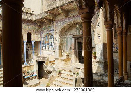 Mandawa, India - March 31, 2007: Interior Yard Of The Haveli In Mandawa, India. Snehi Ram Ladia Have