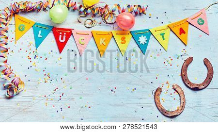 Glucks Tag Festive Party Background