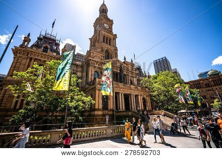 23rd December 2018, Sydney Australia: Streetview And Front View Of Sydney Town Hall A Victorian Seco
