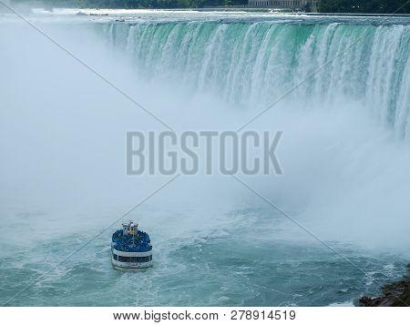 Niagara Falls, Canada - July 11, 2014: Niagara Falls, A Complex Of Waterfalls On The Niagara River.