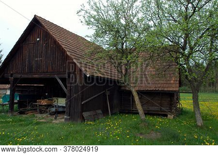 Alpine Farm And Farmhouse, Living In The Countryside In The Mountains