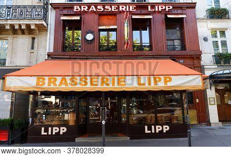 Paris, France-july 21 , 2020 : The Brasserie Lipp Is A Famous Establishment On The Boulevard Saint G