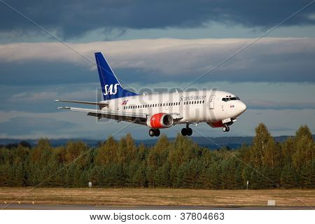 Sas Scandinavian Airlines Boeing 737-500
