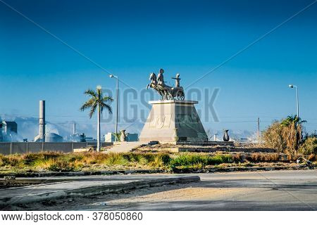 Caikro, Egypt-Jan 31, 2020:  Monument statue  on the way to Cairo, Egypt.