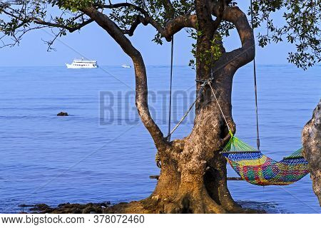 Bay Bailan In Morning And Sunshine At Koh Chang Thailand. Koh Chang Is Located In The Eastern Gulf O
