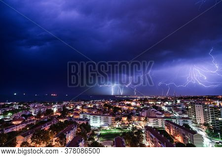 Lightning show to hit the city of Cascais in Portugal