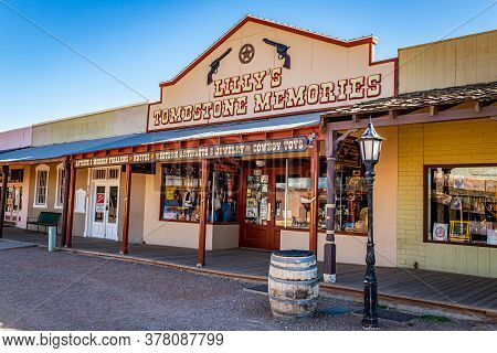 Tombstone, Arizona, Usa - March 2, 2019: Morning View Of Lilly's Tombstone Memories On Allen Street