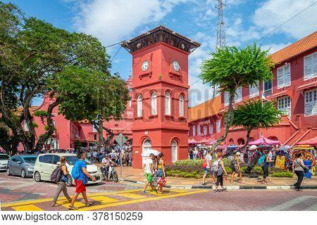 August 12, 2018: Melaka Red Clock Tower, Tang Beng Swee Clock Tower Outside The Stadthuys In Melaka,