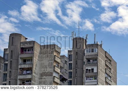 Zrenjanin, Serbia, July 23, 2020. Network Repeaters Installed On The Roof Of The Building. Mobile Co