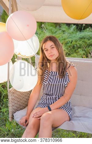 Teenager Girl And Balloons. Girl, Balloons, Holiday, Birthday. Happy Moments In Life. Girl 11-13 Yea