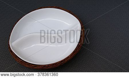 Ceramic Plate With Wicker Basket Support For Snacks  White Ceramic Plate With Wicker Basket Support,