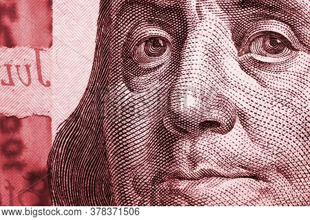 A Mirrored Image Of Franklin's Face On An American 100 Usd Note. Memorable, Conspicuous And Tense Il