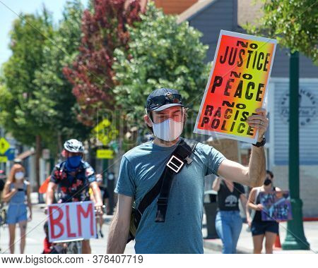 Alameda, Ca - July 4, 2020: People Protesting The Death Of George Floyd And Others. Black Lives Matt