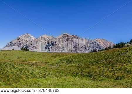 View Of Le Rois Mages (baltazar 3153m, Melchior 2948 M, Gaspard 2808 M , Quatre Soeurs 2587 M) Locat