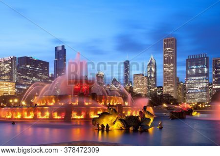 Buckingham Fountain At Grant Park And Downtown Skyline, Chicago, Illinois, United States