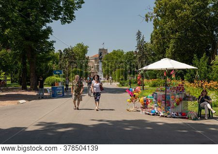 Belgrade, Serbia - June 30, 2019: Kalemegdan Park At Sunny Summer Day In Belgrade, Serbia.