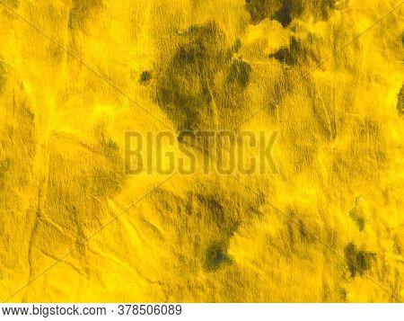 Watercolor Batik Repeat. Grunge Brown Tie-dye Canvas. Watercolor Batik Repeat Print. Luxury Golden C