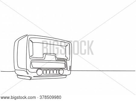One Continuous Line Drawing Of Retro Old Fashioned Analog Radio. Classic Vintage Broadcaster Technol