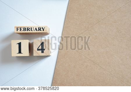 February 14, Empty White - Brown Background With Number Cube.