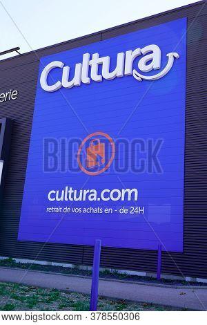 Bordeaux , Aquitaine / France - 07 25 2020 : Cultura Text Logo And Sign Cultura.com On Shop Advertis