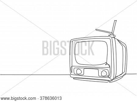 One Continuous Line Drawing Of Retro Old Classic Television With Antenna. Vintage Analog Tv Entertai