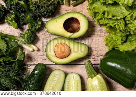 Green Vegetables: Avocado, Asparagus, Broccoli, Green Pepper, Parsley. Raw Food Diet. Keto Diet. Glu