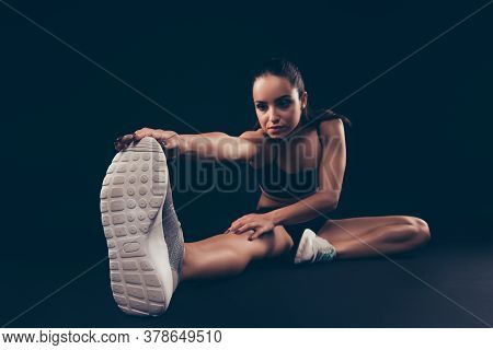 Portrait Of Her She Nice-looking Attractive Sportive Purposeful Focused Strong Lady Working Out Lean