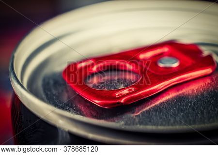 Macro Photografy Lid Of Can Of Fizzy Drink With Bright Red Ring-opener