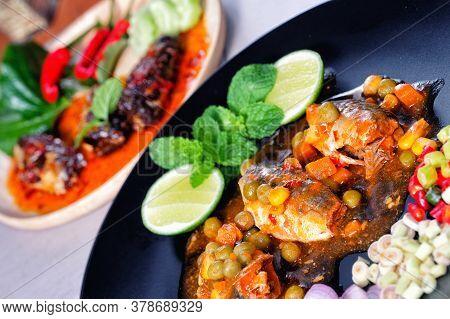 Spicy Canned Sardine Salad (yum Pla Ka-pong)