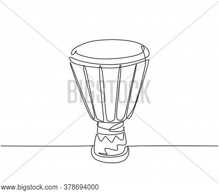 One Continuous Line Drawing Of Traditional African Ethnic Drum, Tom-tom. Trendy Percussion Music Ins