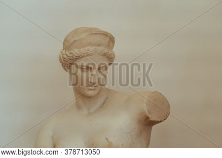Marble Statue Of Woman In Museum.old Statue Of Greek Goddess Made Of Marble And Placed In Historical
