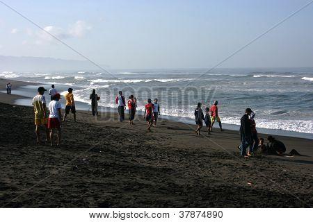 visitors traveled in Depok beac