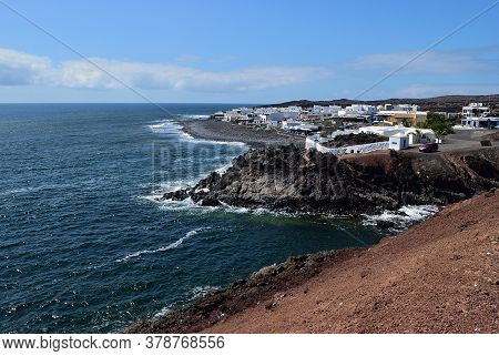 Lanzarote,  Lago De Los Clicos Village Near  Gulf Of El Golfo, Atlantic Ocean In Canary Islands. Spa