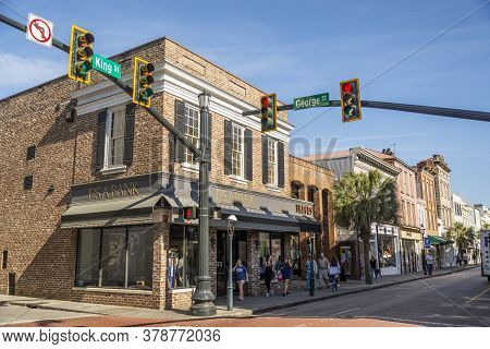 Charleston South Carolina Usa - March 28, 2019: King Street Historic With People, Shop And Historica