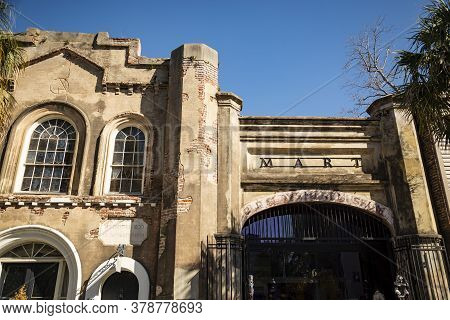 Charleston, Sc, Usa March 28, 2019: Formerly A Slave Market, The Old Slave Market Museum In Charlest
