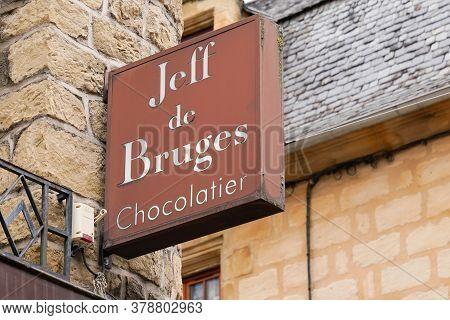 Bordeaux , Aquitaine / France - 07 25 2020 : Jeff De Bruges Logo And Text Sign Of Store Chocolaterie