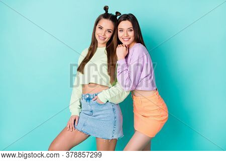 Photo Of Two Pretty Sisters Lady Girlfriends Cool Youth Look Clothes Hugging Good Mood Wear Cropped