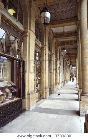 Arcade Paris