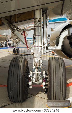 front landing gear light aircraft
