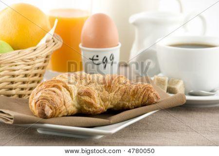 Fresh Breakfeast