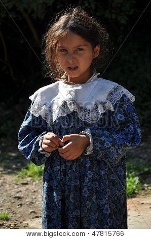 Gypsy Romani girls begging