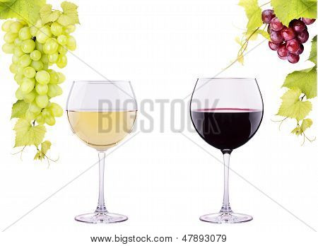 red and white glass of  wine with grapes