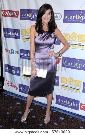 Teri Hatcher at the Starlight Children's Foundation's 'A Stellar Night' Gala. Beverly Hilton Hotel, Beverly Hills, CA. 03-27-09
