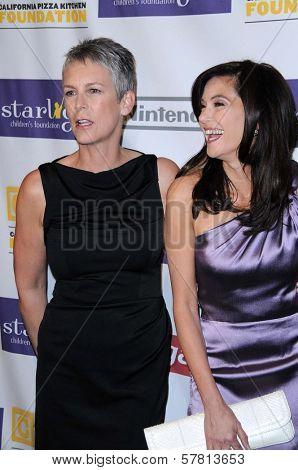 Jamie Lee Curtis and Teri Hatcher  at the Starlight Children's Foundation's 'A Stellar Night' Gala. Beverly Hilton Hotel, Beverly Hills, CA. 03-27-09