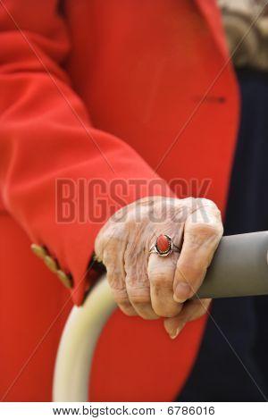 ältere Frau hand