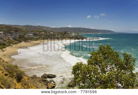 Waves Crashing At Crescent Cove In Laguna Beach