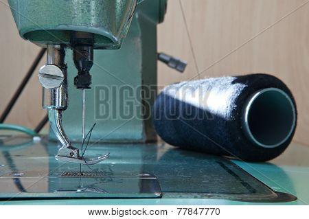 Green Electrical Sewing Machine