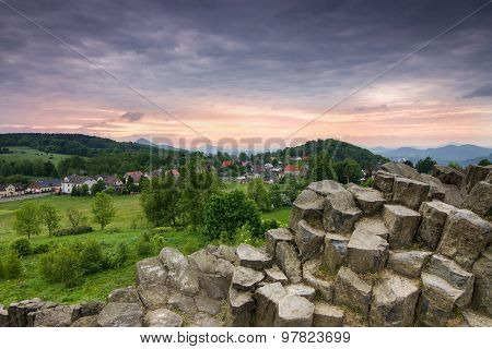 Basalt columns_Mountains