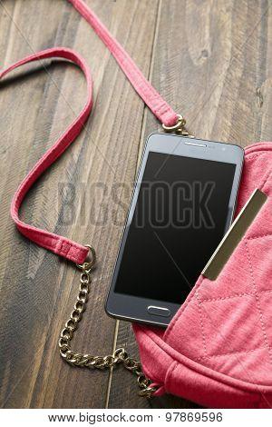 Mobile phone and handbag Women